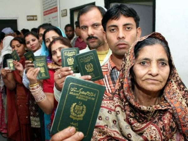 431 Pakistani Hindus Given Long-term Indian Visas 2