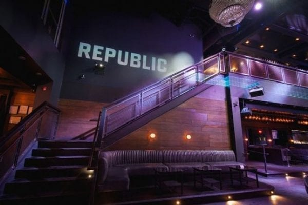 The 13th Anniversary for the Republic Night Club 11 600x400