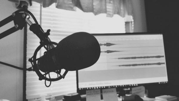 Top 5 Famous Canadian Podcasts You Need to Listen to 1