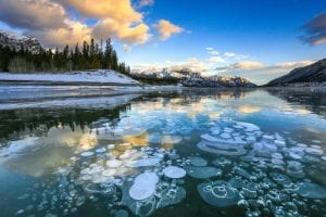 Abraham Lake: The Best Guide For Every Tourist 3