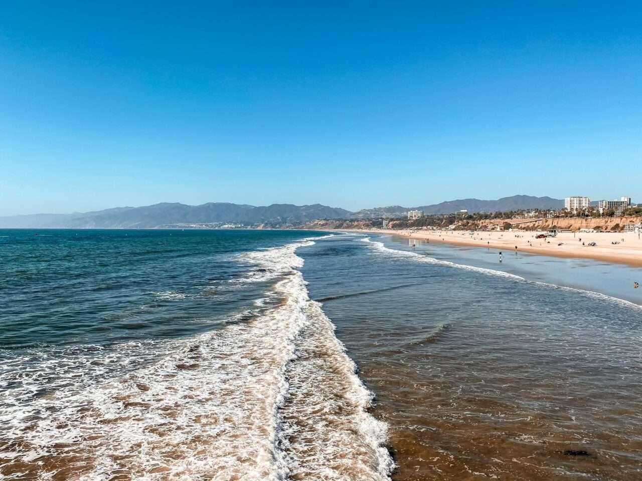 Santa Monica: A Pristine Tour 4