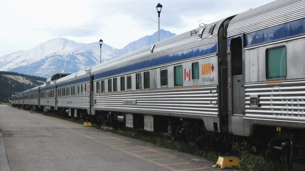 Canada Rail - Top 10 Amazing Facts 1