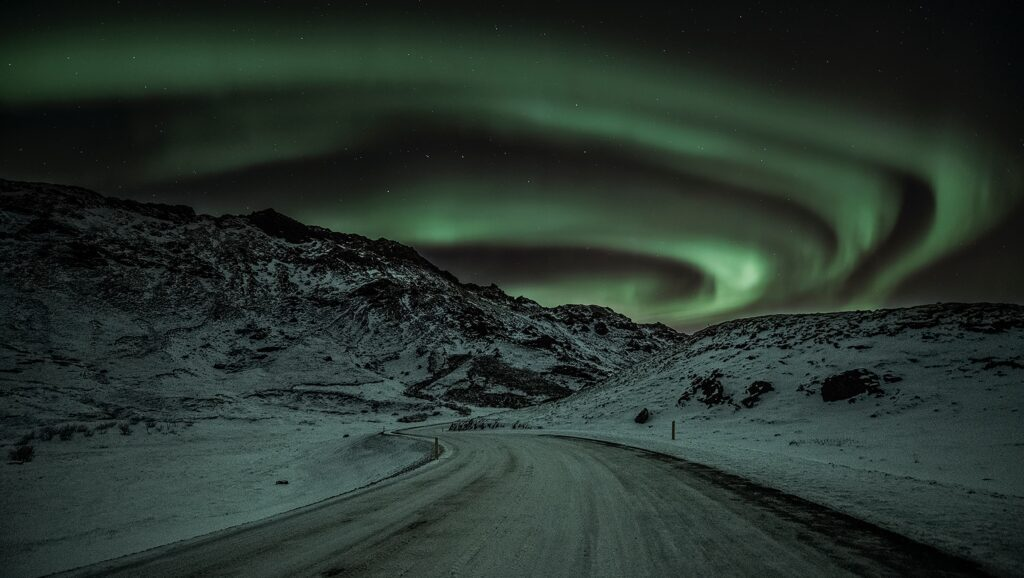 Arctic Circle: 7 Incredible Things to Know ! 4