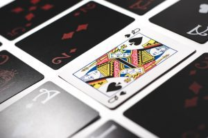 When to tip the casino dealer? 2