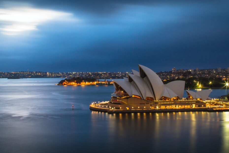 6 Facts and Rules to Know When Moving to Australia 1