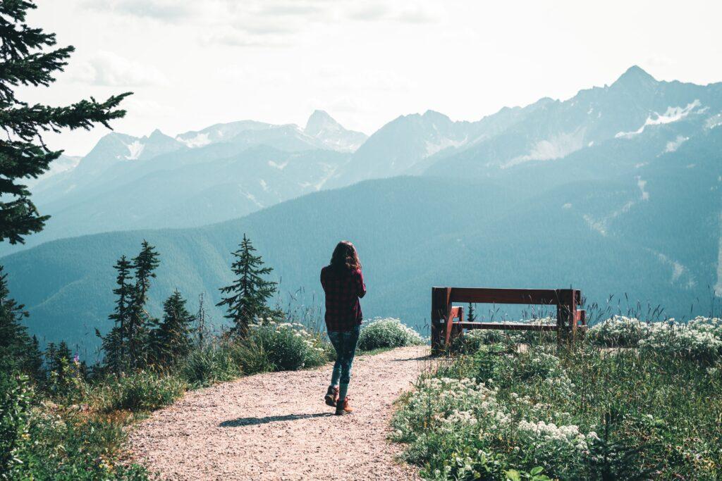 hiking in revelstone