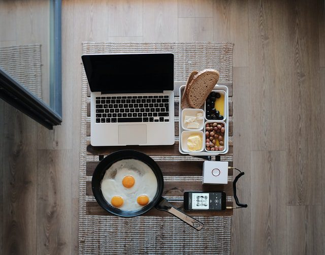 Freelancing & Studies: Can They Be Combined? 1