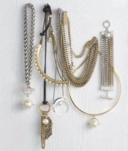 """Canadian Jewelry Brand JENNY BIRD Launches """"Modern Pearl"""" Collection at"""