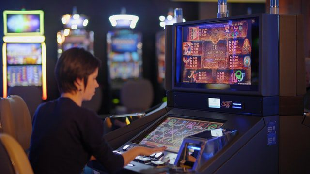 Gambling Goes Online: Minimum Deposit and Bonuses 1
