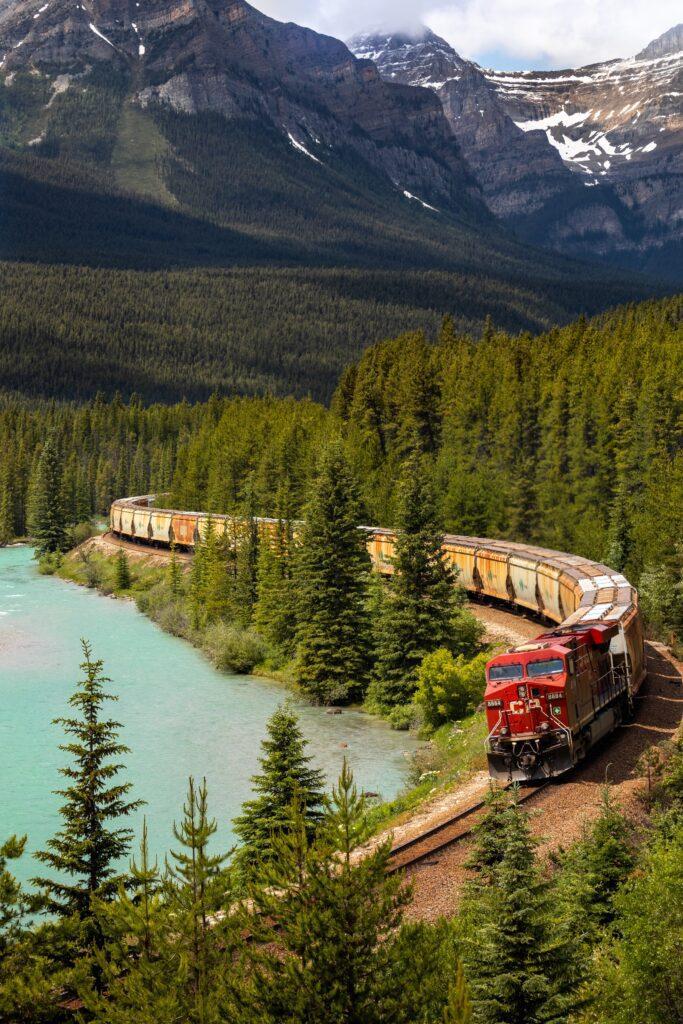 Train services in Canada