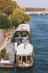 Houseboat rentals Ontario
