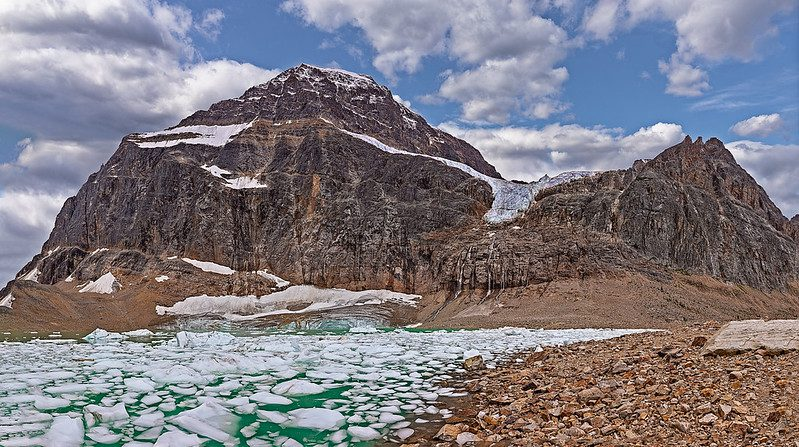 Rocky Mountains Canada - 5 Thrilling Sites to Not Miss 1