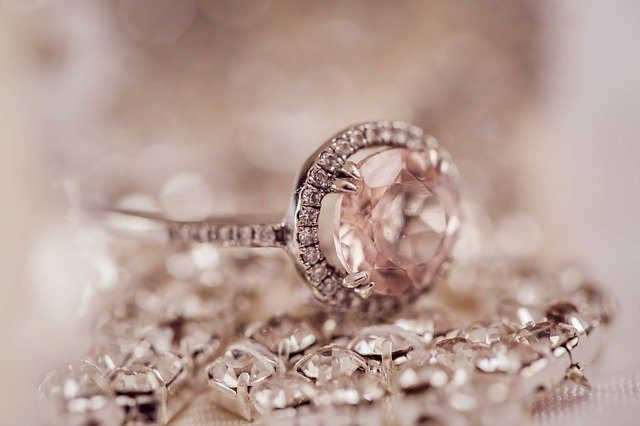 Engagement rings jewelry store Montreal