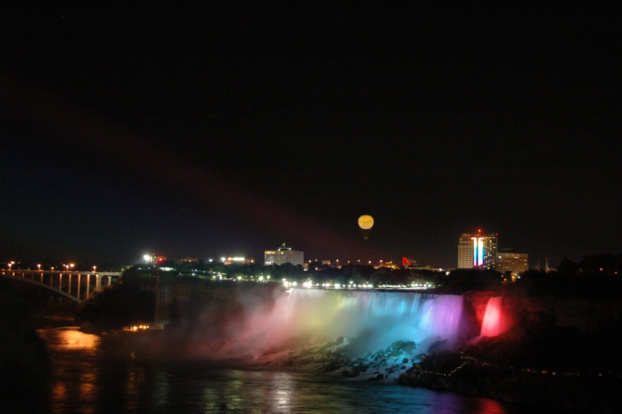 12 Awesome Ways to Enjoy Your Christmas in Canada 4