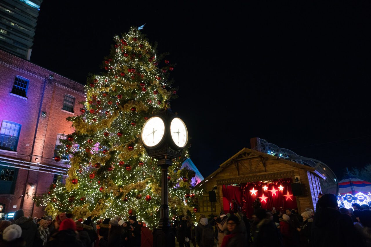 12 Awesome Ways to Enjoy Your Christmas in Canada 2