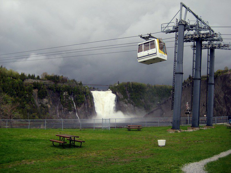 cable cars at the falls